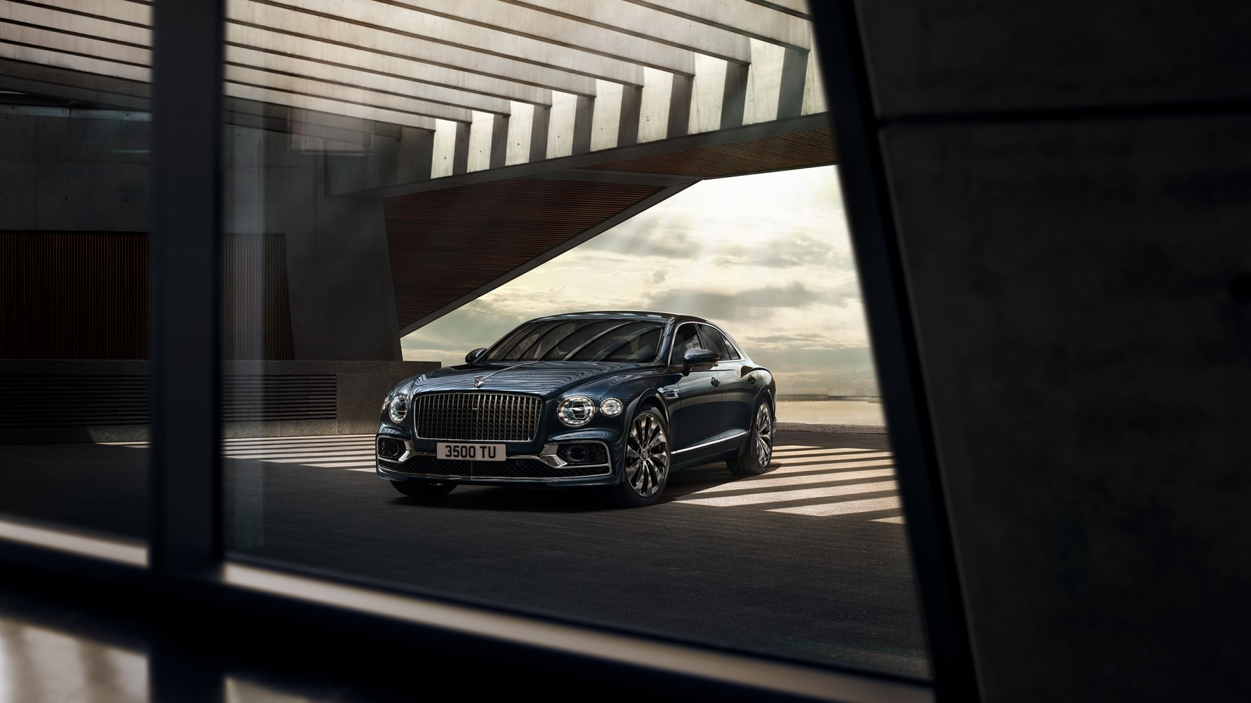 the-new-bentley-flying-spur-5-by-marc-trautmann